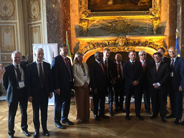 With French Industry Leaders and pdt Macron_opt